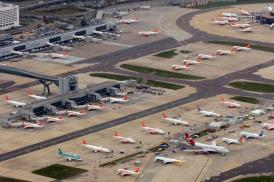 London Gatwick Airport photo